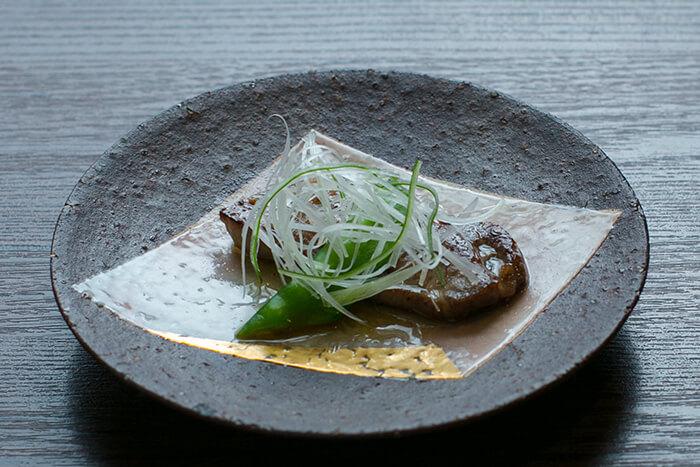 味道源 極味コース 焼物 黒毛和牛の上タン塩 国産レモン塩ソース 貝割